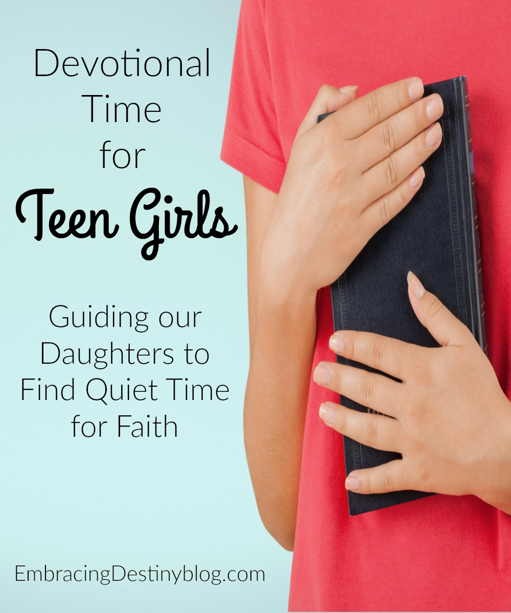 top dating devotionals How much bible reading should we do together (spiritual intimacy and dating, part 2) 30 in at night for a couple's devotional time for dating couples.
